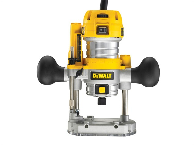 D26203 1/4in Plunge Router Variable Speed 900 Watt 230 Volt