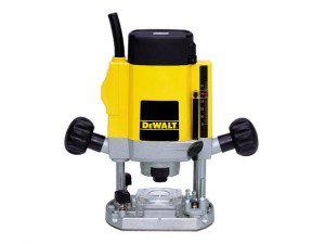 DW615 1/4in Plunge Router 900 Watt 230 Volt