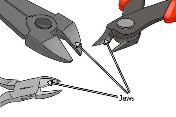 Sprue cutters with different jaws