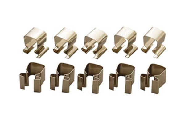 Socket rail clip