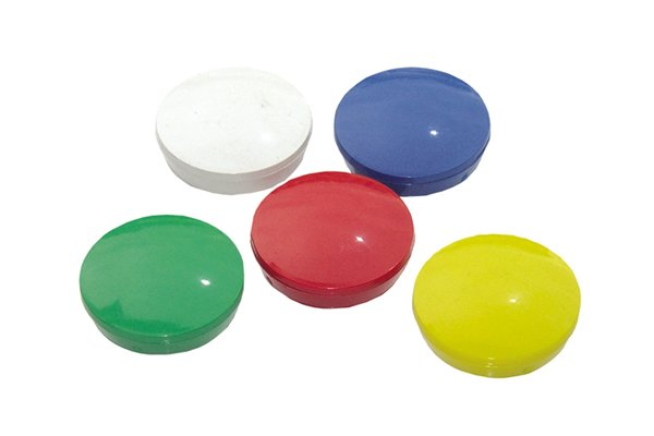 Blue, red, white, yellow and green basic planning magnetic discs