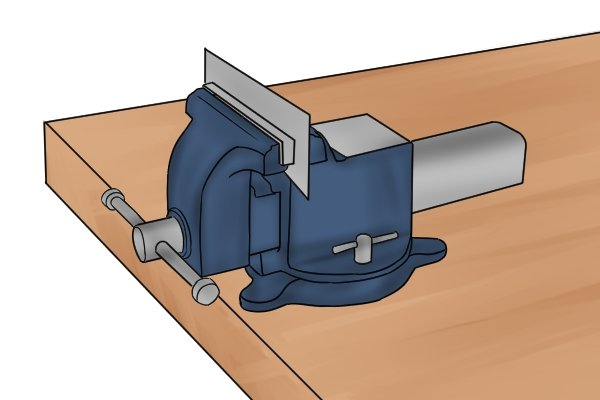Cabinet scraper, card scraper, tools, scraping, woodwork, carpenter, DIYer.