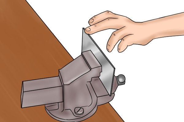 Cabinet scraper, card scraper, smoothness, blade, edge, scraping, woodwork, carpenter, DIYer.