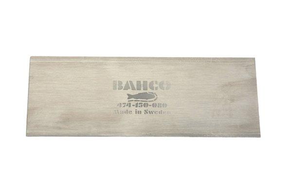 Cabinet scrapers, flat scrapers, woodwork, scraping, DIYer, carpenter.