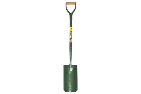 This shovel has been designed specifically for grafting ie. anything from digging into dense terrain to shifting heavy material.