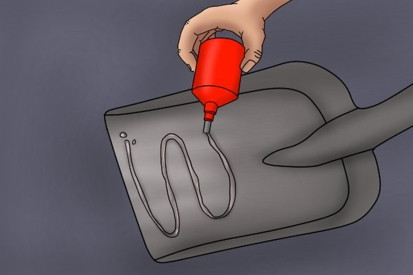 Apply a coating of lubricating oil with a soft cloth.