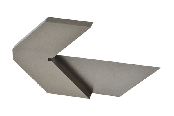 Ground tool steel is an extremely durable and long-lasting material. Centre squares are likely to last a lifetime.