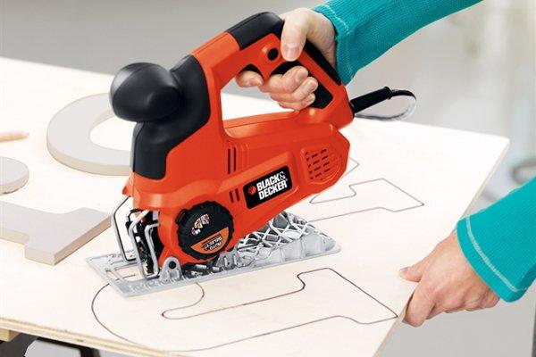 Scroll cutting with jigsaw