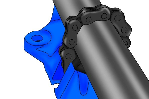 The chain of a chain pipe vice is made out of high-tensile steel. The main reason for this is the tensile strength of the material: high-tensile steel is twice as strong as mild steel.