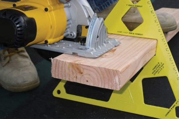 holding timber, vice, plate vice, using a vice, how to use a vice, how to use a plate vice,