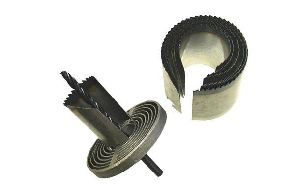 multi saw hole saw set, Multi Holesaw Set of 7 26-63mm Designed specifically for cutting a range of different diameter holes which include the popular sizes of 26, 32, 38, 45, 50, 56 and 63 mm. Can cut holes up to 42 mm in depth. The multi-holesaw set can be used on a wide variety of materials, including wood, chipboard, plywoods, non-laminated plastics, plasterboard and non-ferrous metals except stainless steel. Suitable for use with most power drills, the set is supplied complete with a pilot drill.