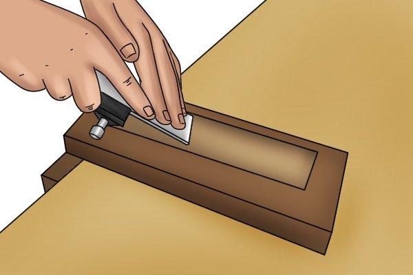 Honing a hand plane iron