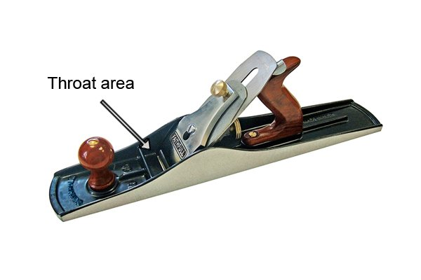 Throat area of a metal bench plane