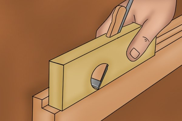 Using a wooden shoulder plane; woodworking hand planes