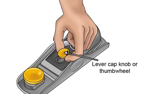 Lever cap knob or thumbwheel on top of block plane lever cap