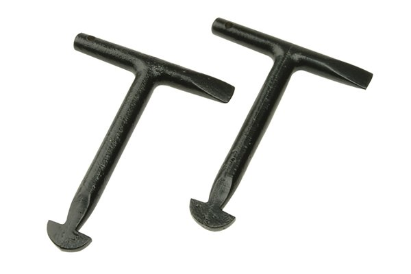t shaped manhole keys with a bevelled edge to made from one piece of malleable iron