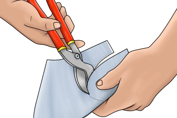 cutting with curved tinsnips