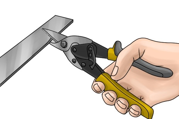 Bulldog cut aviation snips have a short cut