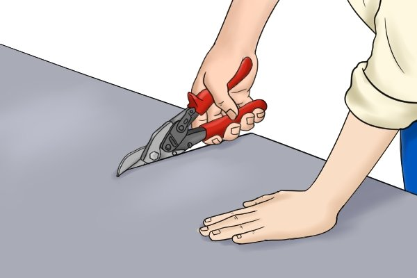 Use aviation snips only with materials they are intended to be used with or they may need replacing