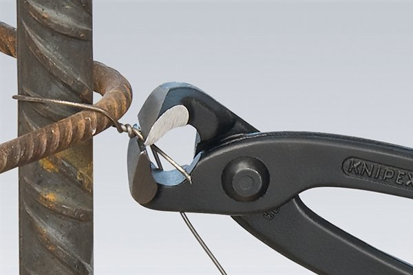 Nippers, end cutters, end cutting pliers.