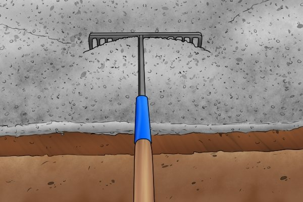 Some rakes which are designed to be used with tarmac or asphalt have braces for added strength