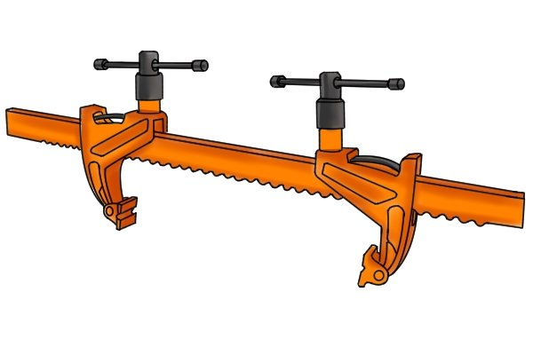 A bar rack clamp has two moveable jaws