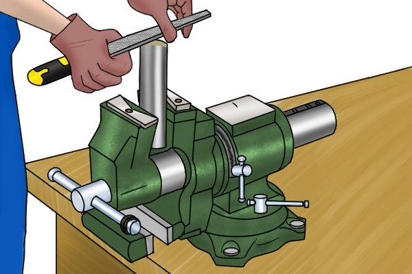 rotating pipe jaws