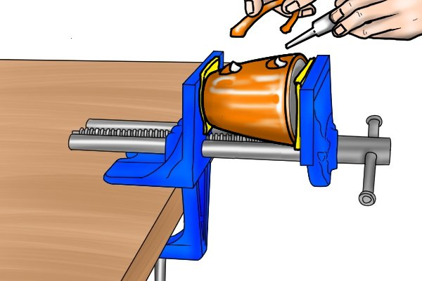 table vice used for gluing