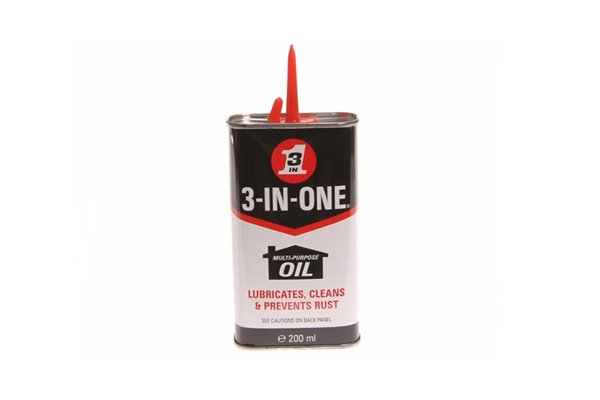 Small can of multi-purpose oil which should be used to lubricate stiff bolt cutter joints prior to use