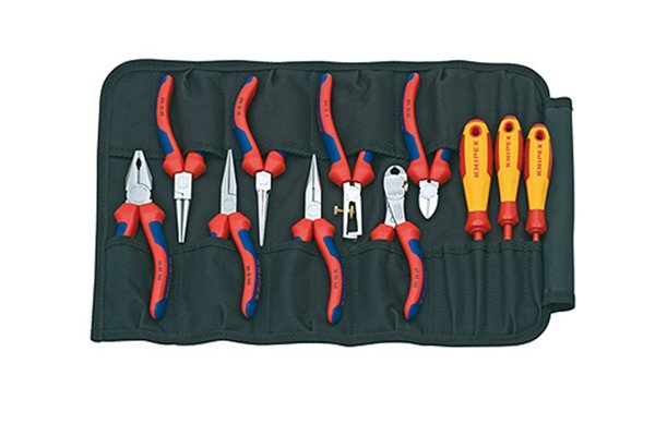 Set of pliers and diagonal side cutting pliers, nippers, wire cutters.