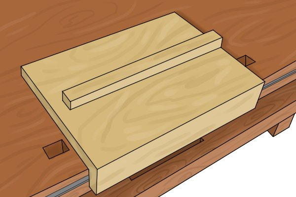 Bench hook for use with pull saw