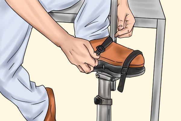 tightening foot ankle strap, dura stilts, skywalkers, plasterers stilts, wonkeee donkee tools guide DIY