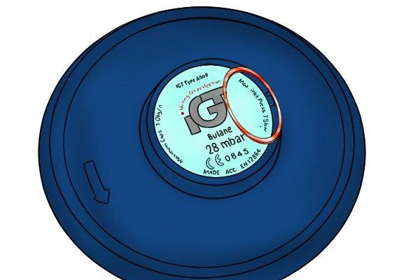 Bolt-on gas regulator inlet pressure