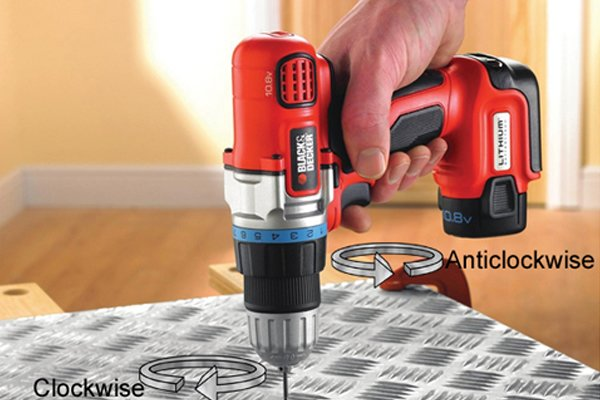 Cordless drill driver where the motor is turning anticlockwise and the bit is turning clockwise