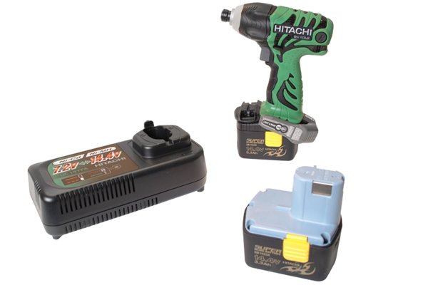 Cordless impact driver with two batteries