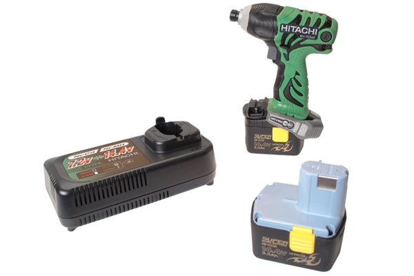 Cordless impact driver with a two types of battery