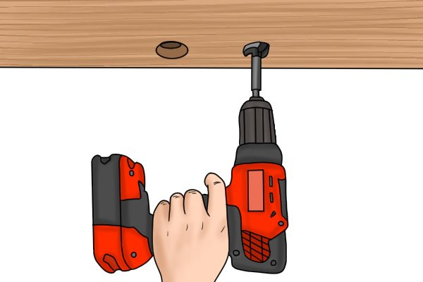Cordless drill driver with kickback