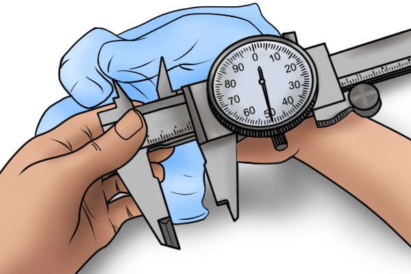 Before using your caliper, you should wipe the jaws with a rag to make sure that they are clean.