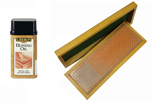 Diamond sharpening stone with 3 in one oil and specialist honing oil