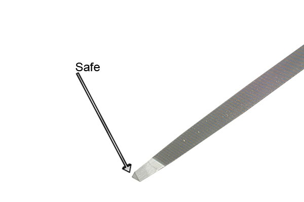 Image showing the blunt point of a taper saw file