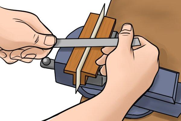 sharpening scraper blade