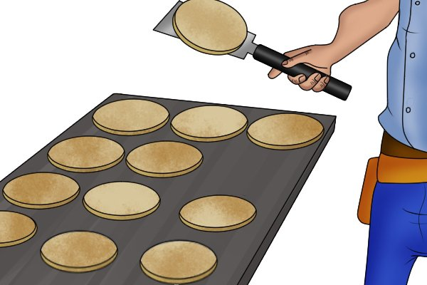 How not to use Ryoba: flipping pancakes