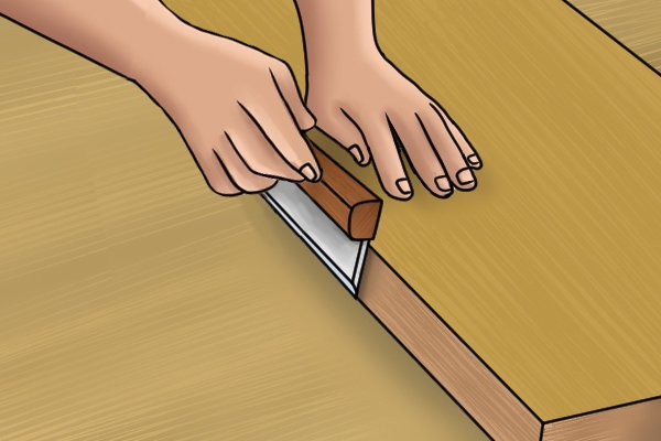 How to hold a Veneer saw correctly