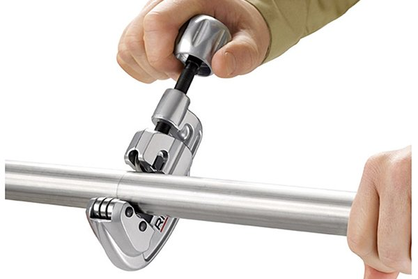 Adjustable pipe cutter on stainless steel