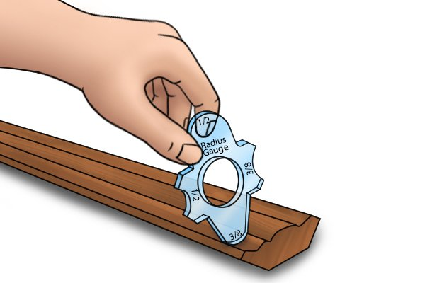 Measuring wood with a radius gauge