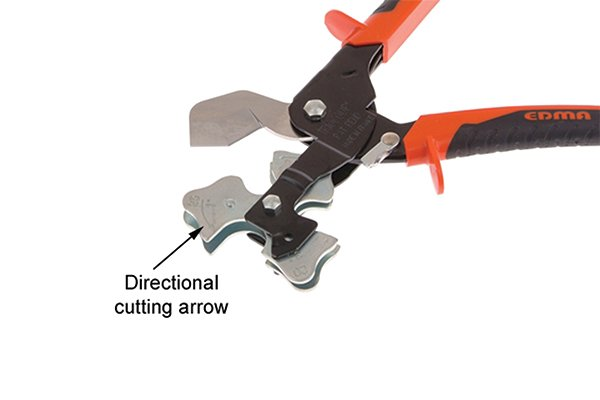 Directional cutting arrow on three way tube cutter
