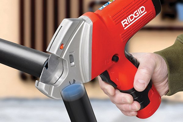 Using a power tube cutter