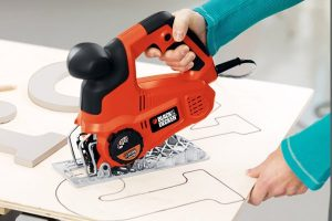Accurate cutting capable whilst using a jigsaw blade.