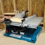 Makita 2705 10-Inch Contractor Table Saw cutting wood