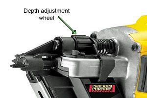 You can easily alter the nailing depth with the thumbwheel adjuster.